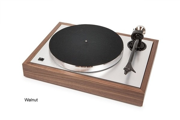 Pro-Ject The Classic Turntable (No cartridge)