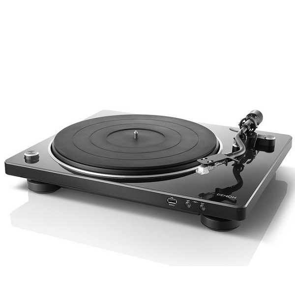 Denon DP-450 USB Turntable (Scruffy Carton)